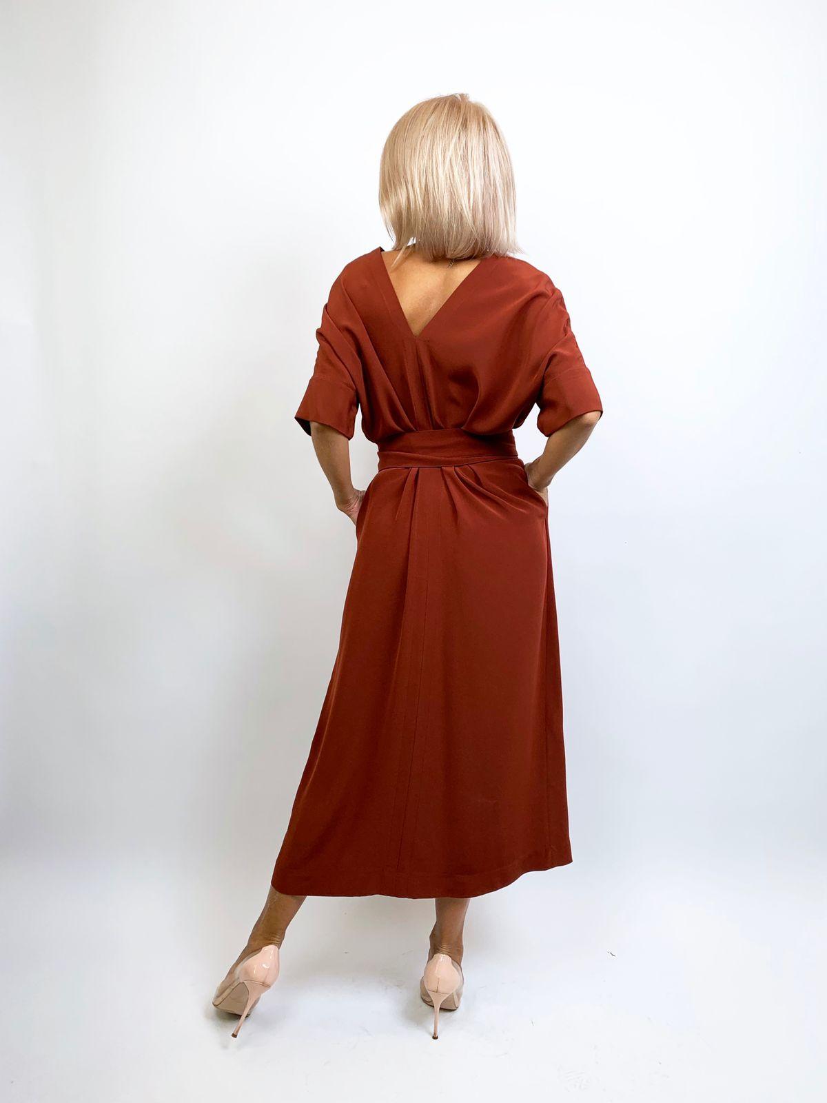 Платье-кокон с поясом