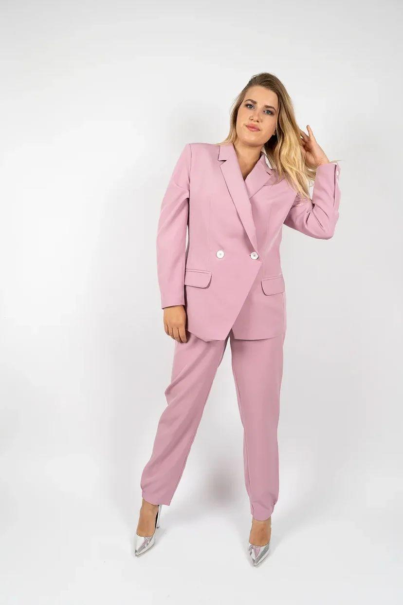Брючный костюм-двойка женский лилового цвета