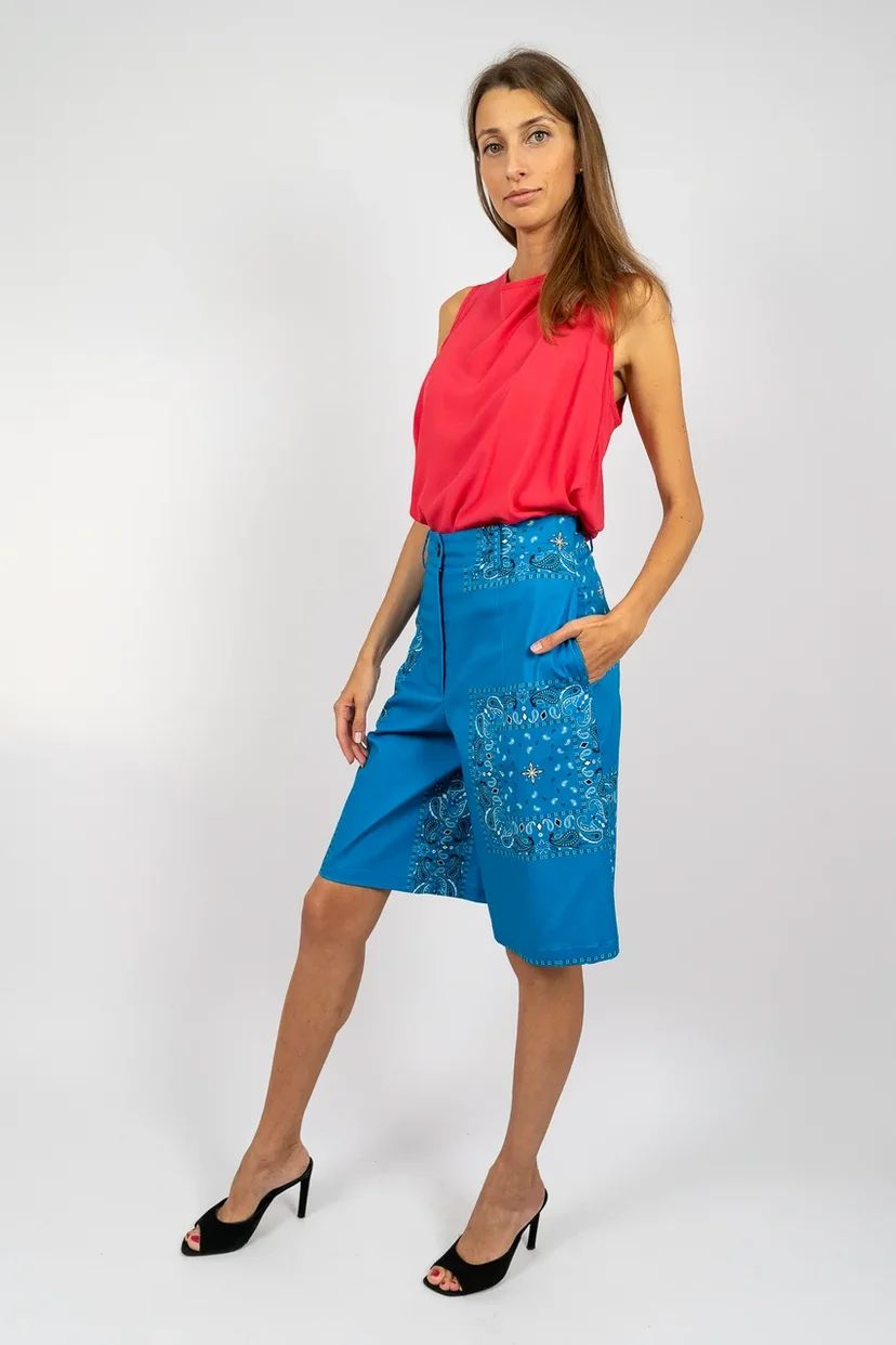 Блузка без рукавов с завязками на воротнике в ягодном цвете