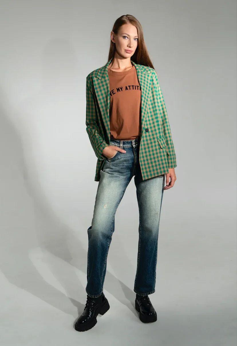 Классические джинсы с эффектом состаривания
