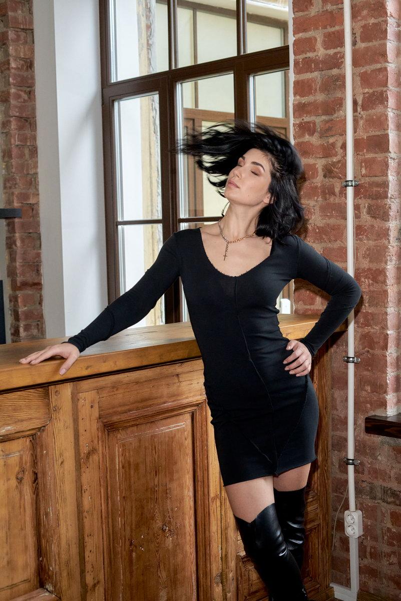 Мини-платье со швами наружу