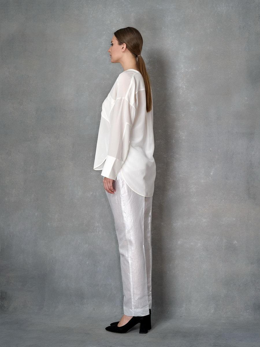 Блуза с вырезом