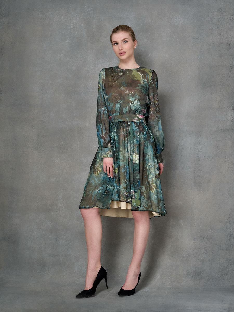 Шелковое платье длины миди