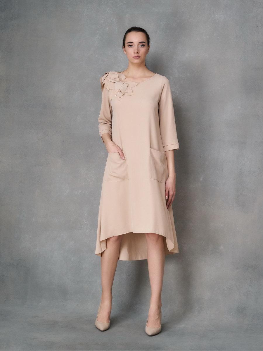 Платье с аппликациями цветы