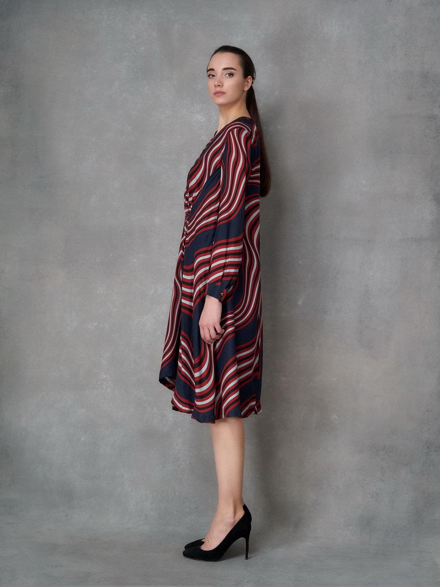 Платье синее с V-вырезом