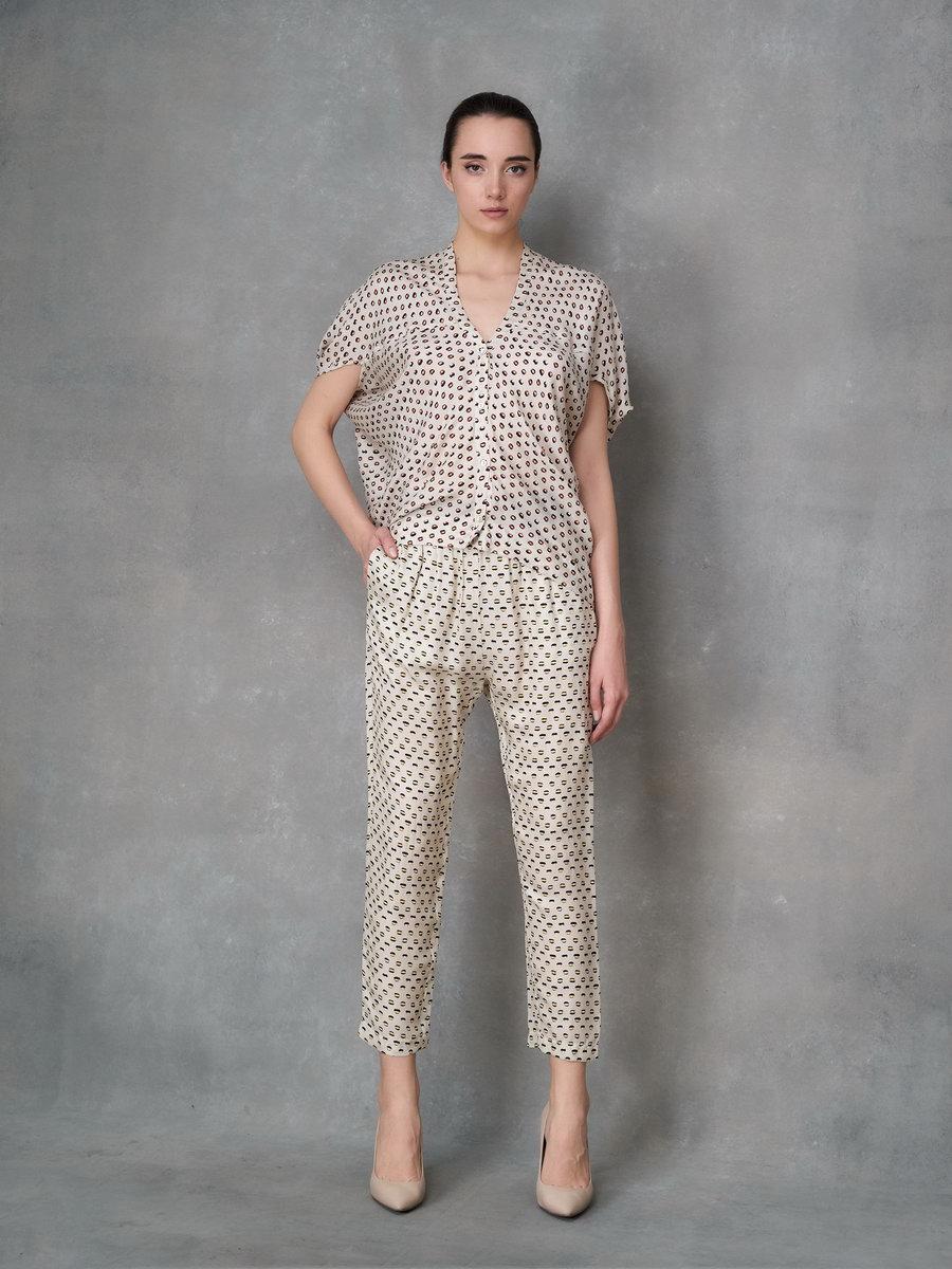 Блуза в пижамном стиле