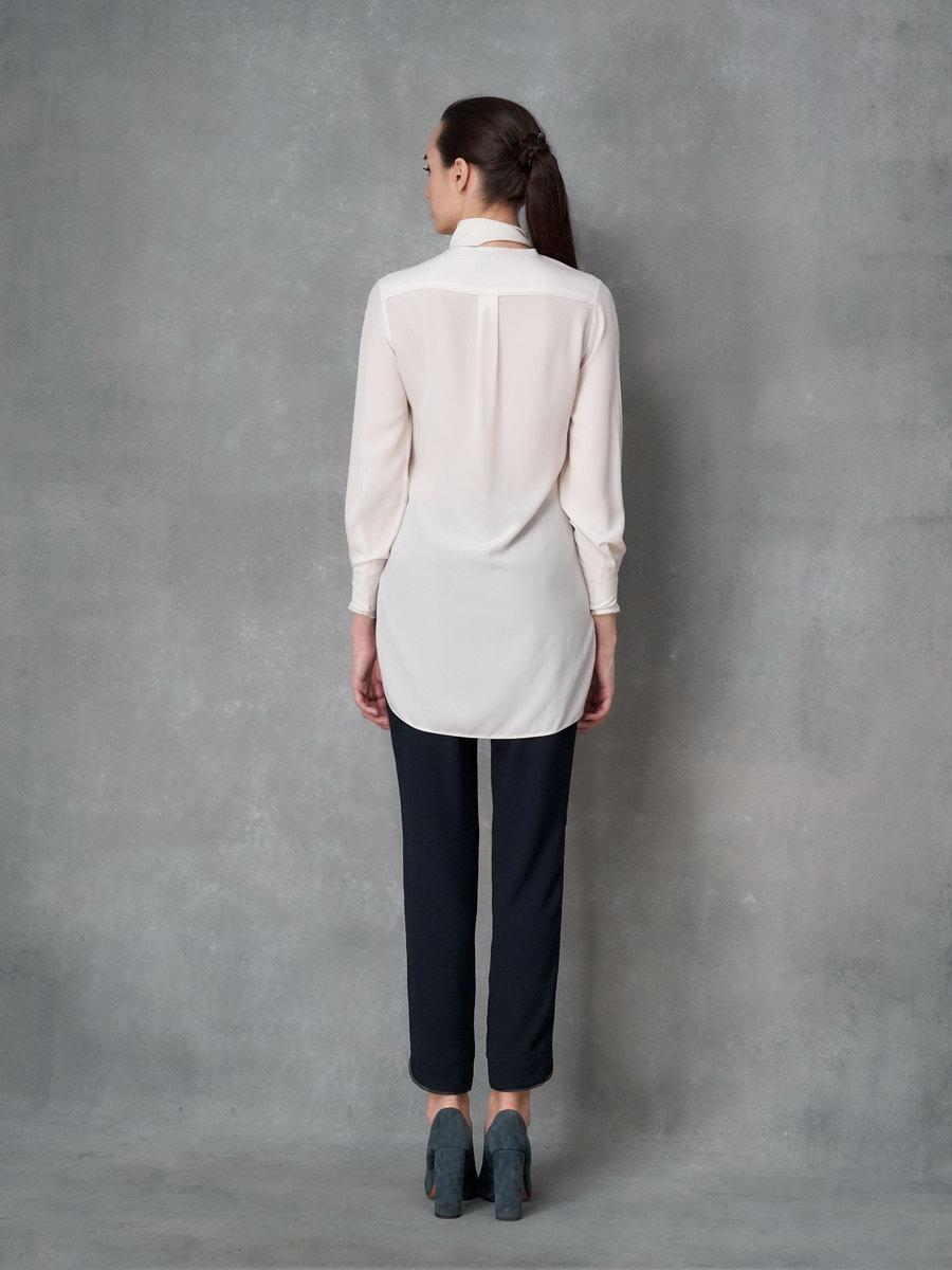 Блуза молочная с шарфом