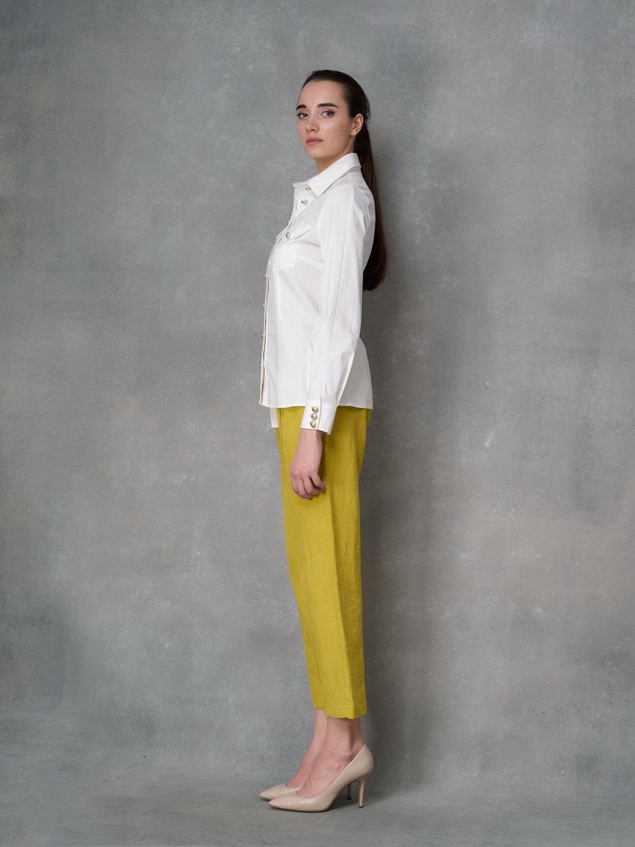 Рубашка с золотыми пуговицами
