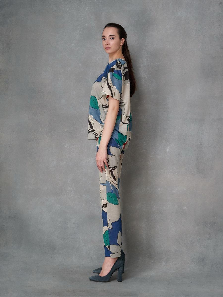 Блузка в цветочный принт с металлизированной нитью