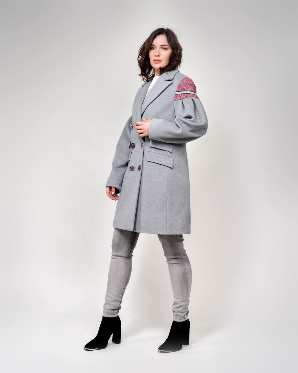 Пальто с объёмными рукавами-буфами серое
