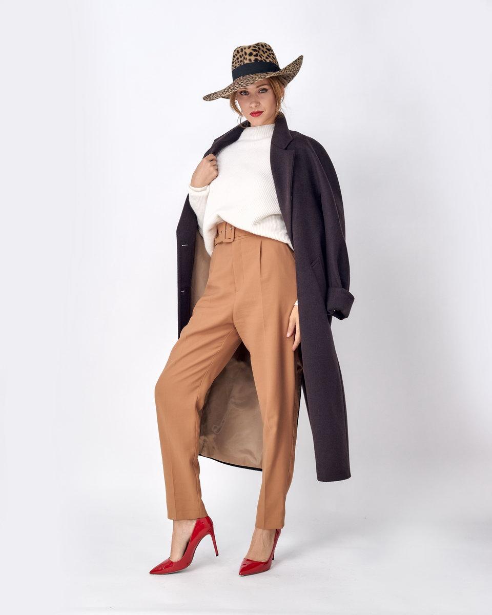 Двубортное коричневое пальто