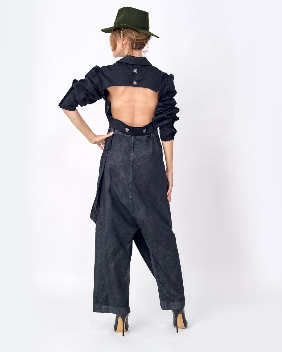 Чёрная рубашка с вырезом на спине