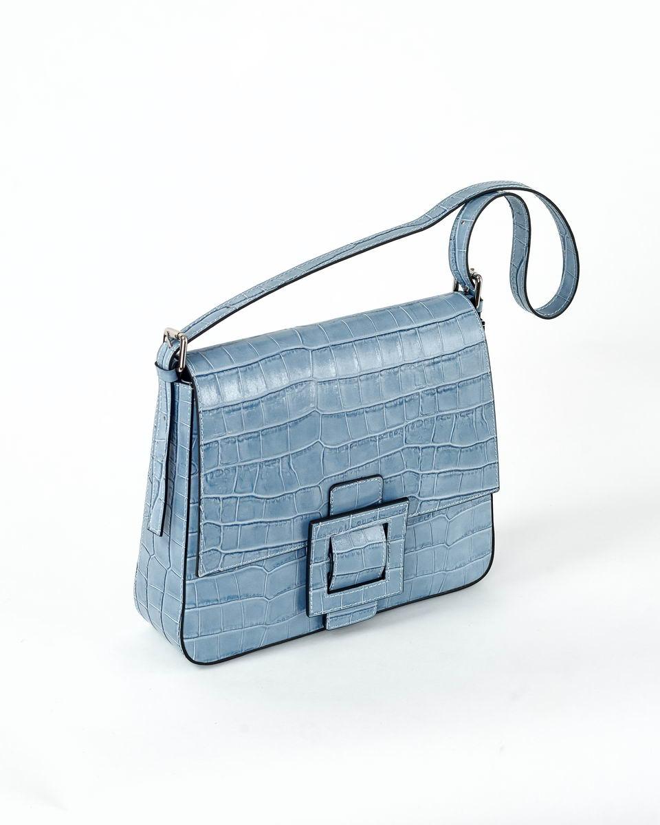 Прямоугольная сумка с откидным клапаном  из лаковой кожи голубого цвета