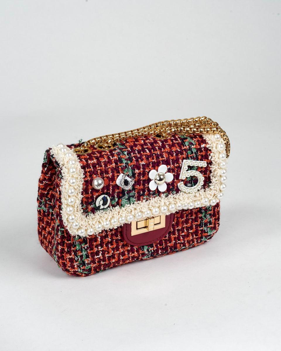 Сумка на цепочке твидовая в стиле Chanel