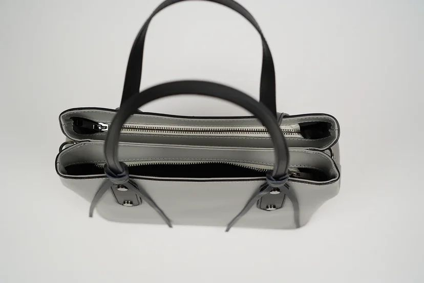 Сумка-тоут прочной формы с двумя отделениями серая