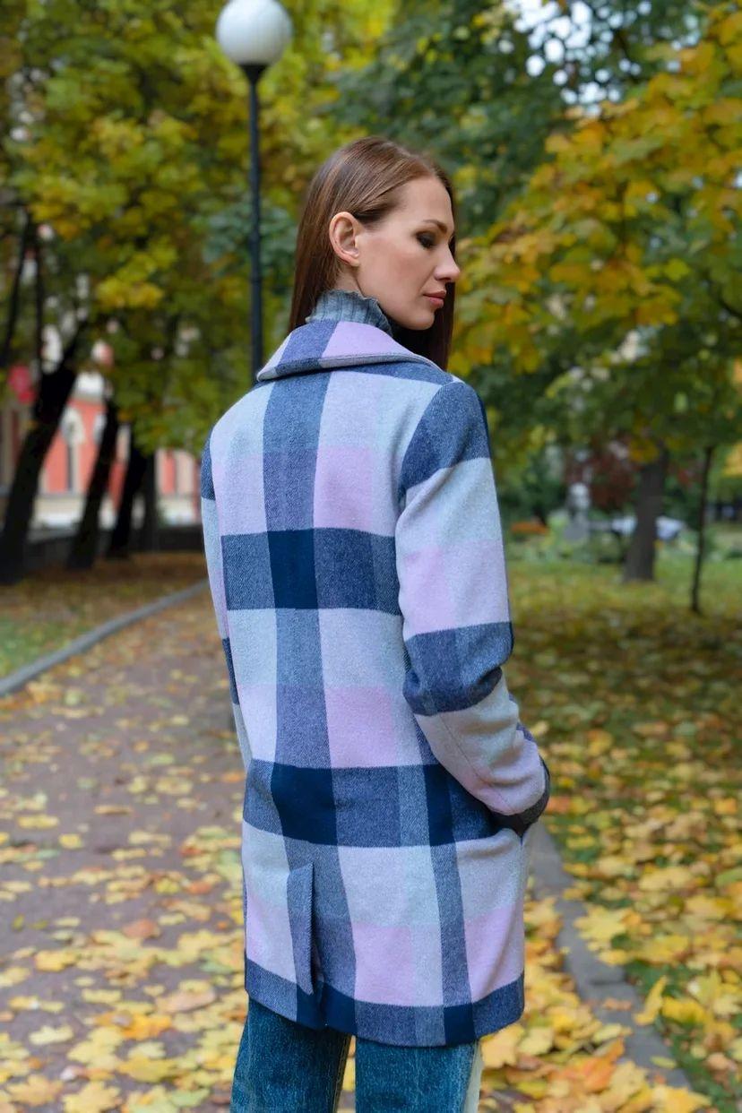 Классическое пальто в крупную клетку лавандового цвета