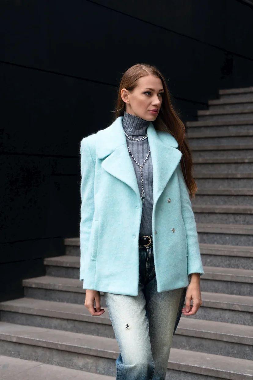 Пальто-жакет укороченное, ворсистое, мятного цвета